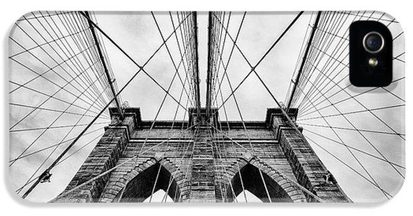 The Brooklyn Bridge IPhone 5 / 5s Case by John Farnan