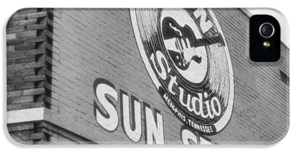 The Famous Sun Studio In Memphis Tennessee IPhone 5 / 5s Case by Dan Sproul