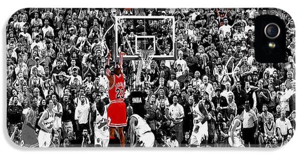 Pippen iPhone 5 Cases - The Last Shot 2 iPhone 5 Case by Brian Reaves