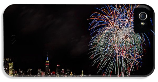 Fire Works iPhone 5 Cases - The New York City Skyline Sparkles iPhone 5 Case by Susan Candelario