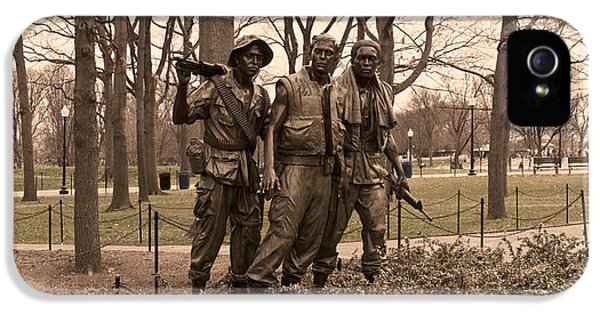 Vietnam War iPhone 5 Cases - The Three Soldiers Bronze Statues iPhone 5 Case by Panoramic Images
