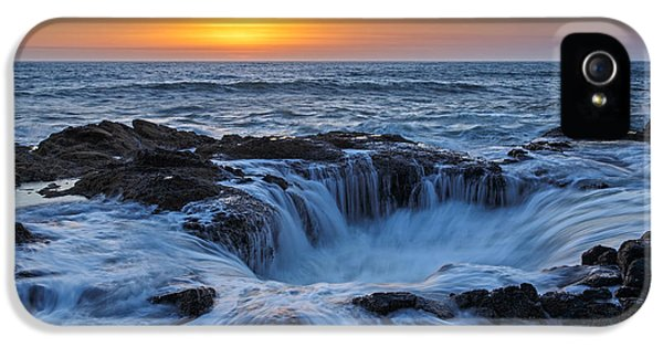 Oregon Coast iPhone 5 Cases - Thors Well II iPhone 5 Case by Rick Berk