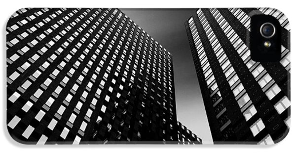 Three Towers IPhone 5 / 5s Case by Dave Bowman
