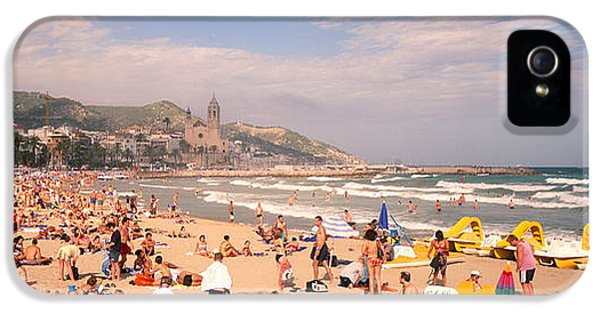 Tourists On The Beach, Sitges, Spain IPhone 5 / 5s Case by Panoramic Images