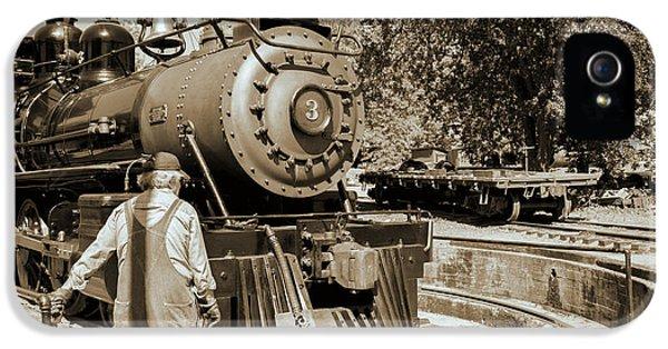 Train Engine IPhone 5 / 5s Case by David Millenheft