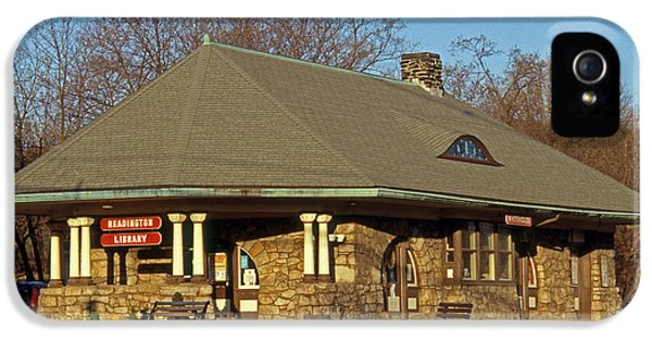 Train Stations And Libraries IPhone 5 / 5s Case by Skip Willits
