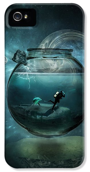 Underwater iPhone 5 Cases - Two lost souls iPhone 5 Case by Erik Brede