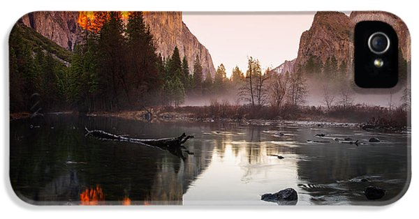Valley View Winter Sunset Yosemite National Park IPhone 5 / 5s Case by Scott McGuire