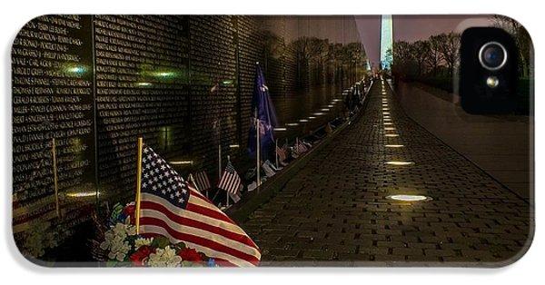 Vietnam Memorial iPhone 5 Cases - Vietnam Veterans Memorial at Night iPhone 5 Case by Nick Zelinsky