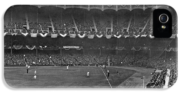 View Of Yankee Stadium IPhone 5 / 5s Case by Underwood Archives