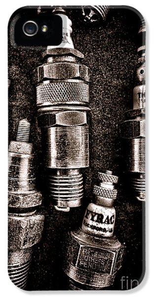 Vintage Spark Plugs IPhone 5 / 5s Case by Olivier Le Queinec
