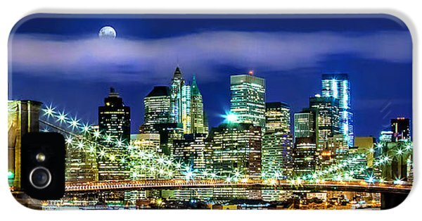 Watching Over New York IPhone 5 / 5s Case by Az Jackson