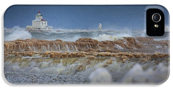 Oswego iPhone 5 Cases - West Pierhead in Ice iPhone 5 Case by Everet Regal