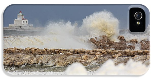 Oswego iPhone 5 Cases - Wind and Ice iPhone 5 Case by Everet Regal