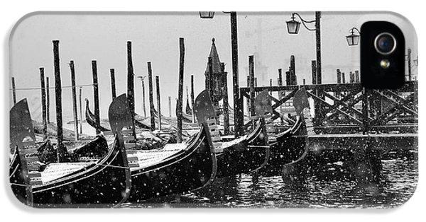 Winter iPhone 5 Cases - Winter in Venice iPhone 5 Case by Yuri Santin