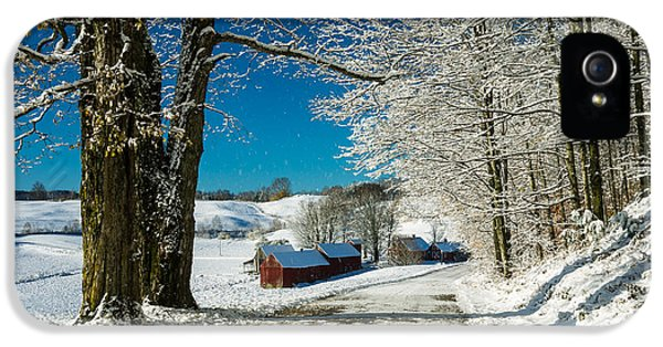 Barn iPhone 5 Cases - Winter in Vermont iPhone 5 Case by Edward Fielding