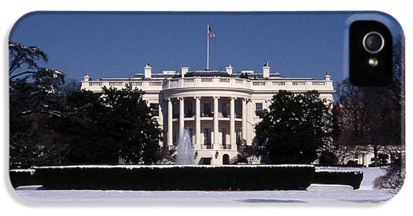 Winter White House  IPhone 5 / 5s Case by Skip Willits