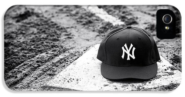 Yankee Home IPhone 5 / 5s Case by John Rizzuto