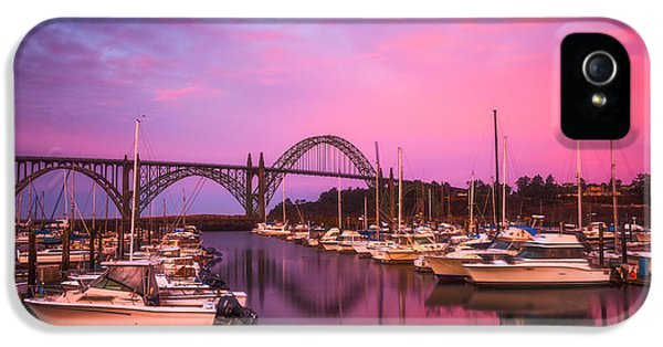 Oregon Coast Landscapes iPhone 5 Cases - Yaquina Bay Sunrise iPhone 5 Case by Darren  White