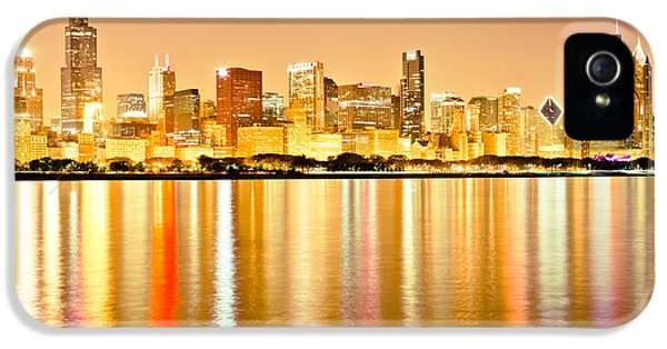 One Prudential Plaza Building iPhone 5 Cases - Chicago Skyline at Night Photo iPhone 5 Case by Paul Velgos