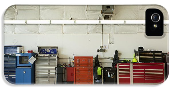 Diagnostic iPhone 5 Cases - Tool Chests In An Automobile Repair Shop iPhone 5 Case by Don Mason