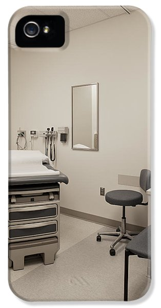 Colour Image iPhone 5 Cases - An Examination Room In A Hospital iPhone 5 Case by Christian Scully