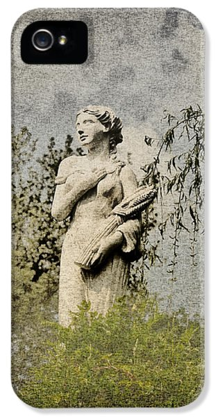 Statue Photographs iPhone 5 Cases - Catch Her Breath iPhone 5 Case by Bill Cannon
