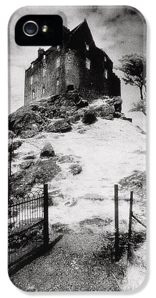 Duntroon Castle IPhone 5 / 5s Case by Simon Marsden