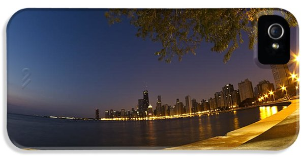 Michgan Avenue iPhone 5 Cases - Fisheye Chicago skyline at dawn iPhone 5 Case by Sven Brogren