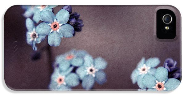 Forget Me Not 01 - S05dt01 IPhone 5 / 5s Case by Variance Collections