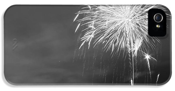 Firework iPhone 5 Cases - Fur Rondy Fireworks iPhone 5 Case by Ed Boudreau