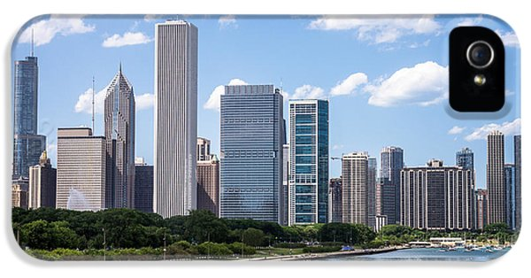One Prudential Plaza Building iPhone 5 Cases - Hi-Res Picture of Chicago Skyline and Lake Michigan iPhone 5 Case by Paul Velgos