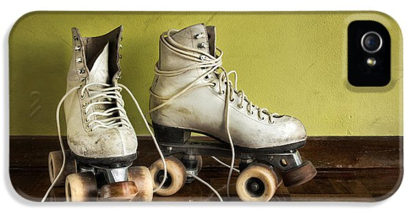 Old Roller-skates IPhone 5 / 5s Case by Carlos Caetano