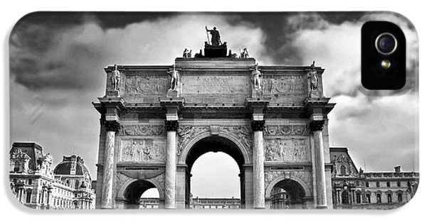 Arc iPhone 5 Cases - Sightseeing at Louvre iPhone 5 Case by Elena Elisseeva