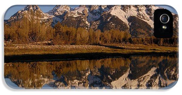 Mountain iPhone 5 Cases - Teton Range, Grand Teton National Park iPhone 5 Case by Pete Oxford