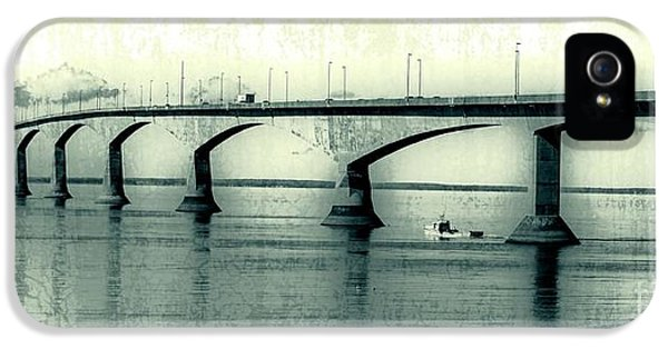 Prince iPhone 5 Cases - The Confederation Bridge PEI iPhone 5 Case by Edward Fielding