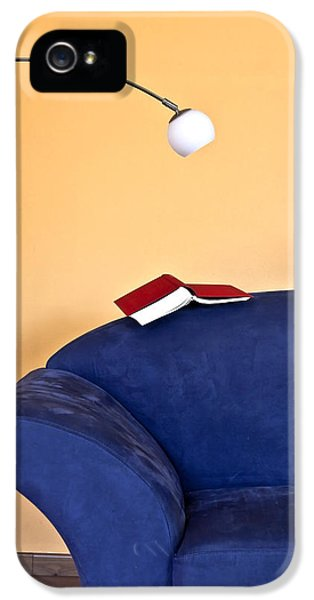 Sofa iPhone 5 Cases - Time to read iPhone 5 Case by Joana Kruse