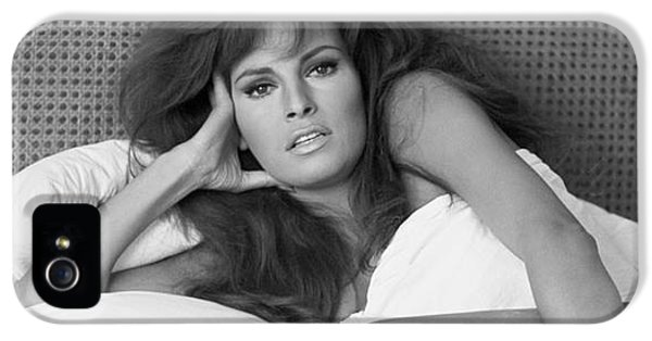 Raquel Welch IPhone 5 / 5s Case by Terry O'Neill