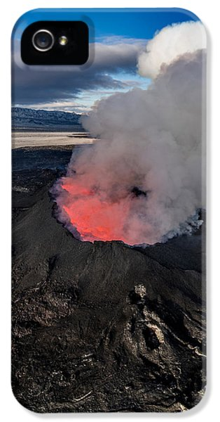 Volcano Eruption At The Holuhraun IPhone 5 / 5s Case by Panoramic Images