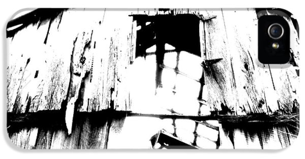 Barn IPhone 5 / 5s Case by Amanda Barcon