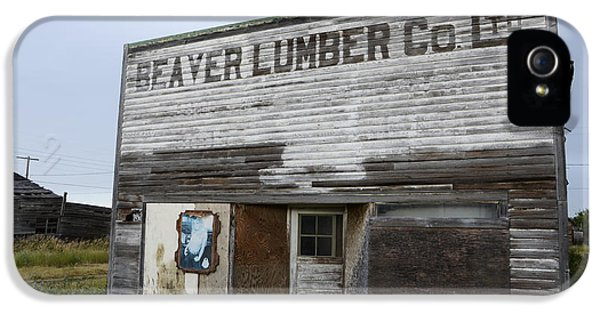 Beaver Lumber Company Ltd Robsart IPhone 5 / 5s Case by Bob Christopher