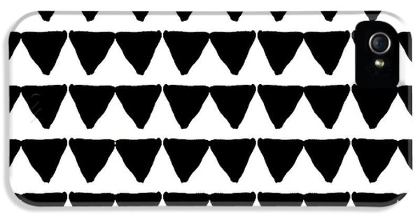 Black And White Triangles- Art By Linda Woods IPhone 5 / 5s Case by Linda Woods