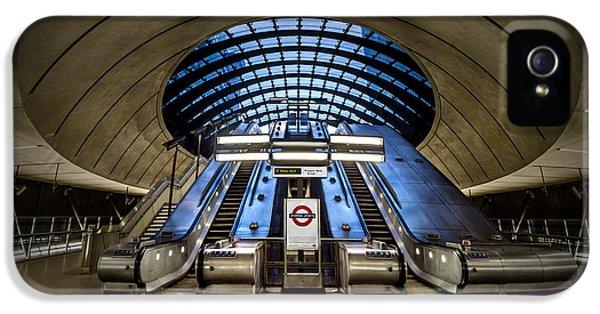 Bound For The Underground IPhone 5 / 5s Case by Evelina Kremsdorf