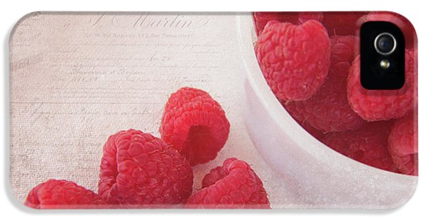 Bowl Of Red Raspberries IPhone 5 / 5s Case by Cindi Ressler