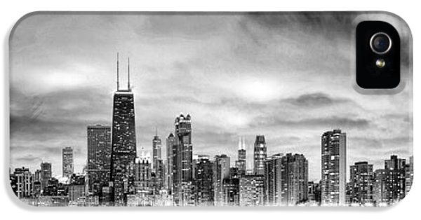 Chicago Gotham City Skyline Black And White Panorama IPhone 5 / 5s Case by Christopher Arndt