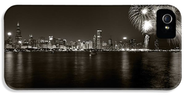 Fourth iPhone 5 Cases - Chicago Skyline Fireworks BW iPhone 5 Case by Steve Gadomski