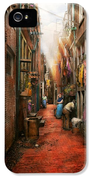 City - Germany - Alley - The Other Half 1904 IPhone 5 / 5s Case by Mike Savad