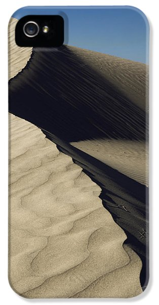 Contours IPhone 5 / 5s Case by Chad Dutson