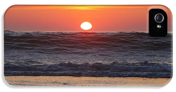 House Md Prints iPhone 5 Cases - Curling Wave at Sunrise iPhone 5 Case by Robert Banach