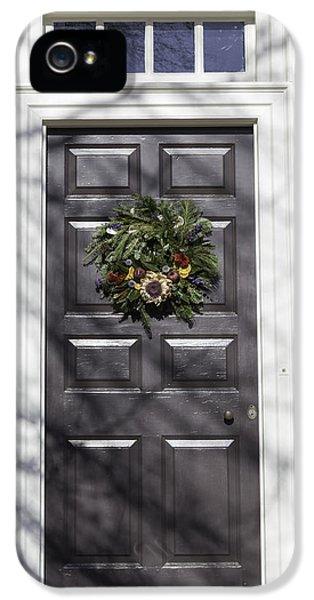 Doors Of Williamsburg 62 IPhone 5 / 5s Case by Teresa Mucha